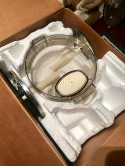 7-cup Cuisineart Food Processor! Never used. Comes with SEVE